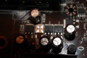 condensador roto en la placa base